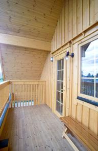 ログハウス 野呂設計 木枠の窓